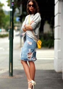Юбка карандаш джинсовая с пуловером