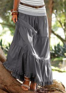 серая юбка с воланами и рюшами