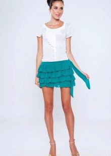 короткая юбка с воланами бирюзового цвета