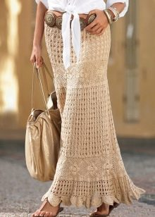 длинная юбка с воланом, вязанная крючком