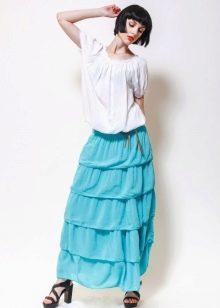 юбка с воланами в сочетании со  свободной блузой
