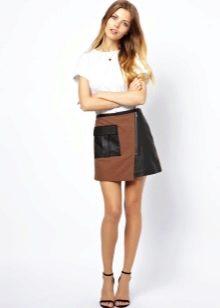 Асимметричная юбка из плотной ткани с кожаными вставками