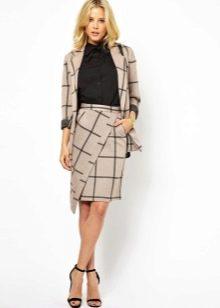 Асимметричная юбка с водолазкой и жакетом для офиса