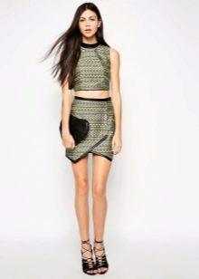 Асимметричная юбка мини