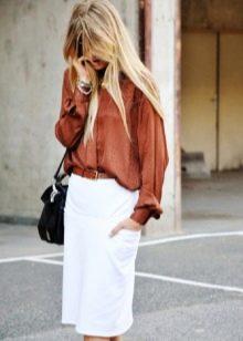 белая юбка-карандаш  с широкой блузой