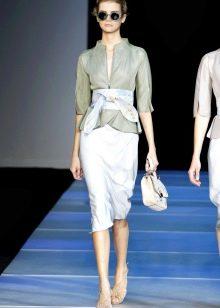 белая юбка-карандаш  со стильным жакетом