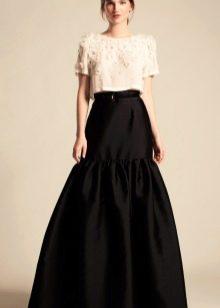 черная юбка-макси с воланом