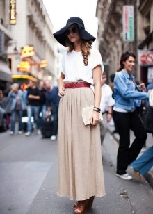 стильный наряд с юбкой-макси