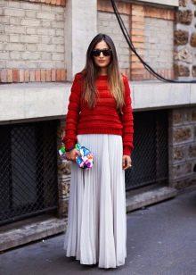 белая длинная юбка-плиссе