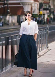 широкая длинная юбка в городском стиле