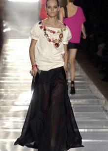 черная длинная юбка с белой блузой