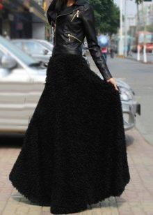 объемная юбка с кожаной курткой