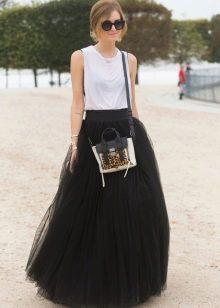 пышная юбка из черного фатина