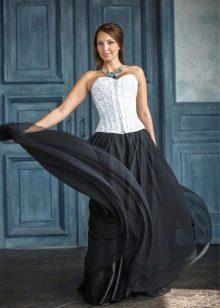 пышная длинная черная юбка
