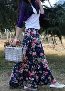 черная летняя юбка с цветочным рисунком