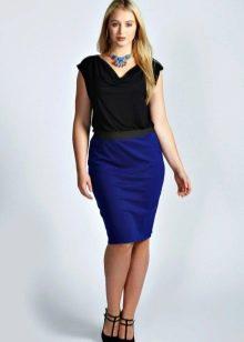 синяя юбка прямого кроя для полных женщин