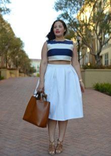 белая пышная юбка-миди для полных женщин