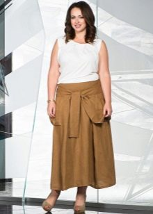 длинная юбка песочного цвета для полных женщин