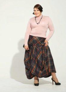 стильная клетчатая юбка для полных женщин