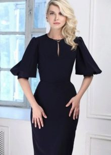 Платье с рукавом-фонариком короткое