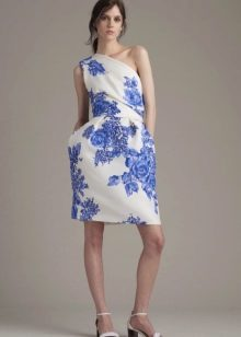 Летнее короткое платье на одно плечо
