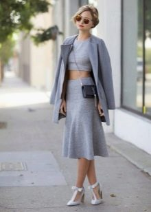 Длинная юбка годе для девушек с фигурой типа Груша