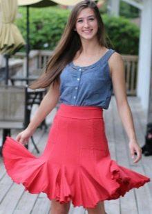 Короткая юбка годе для девушек с фигурой типа Груша
