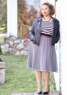 Легкая летняя юбка А-силуэта для девушки с фигурой типа Яблоко