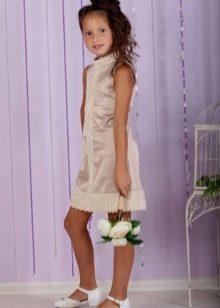 Коктейльное платье для девочки прямого кроя