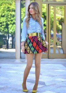 Короткая пышная яркая цветная юбка на лето
