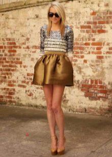 Короткая пышная юбка колокол бронзового цвета
