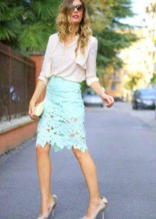 легкая кружевная юбка-карандаш