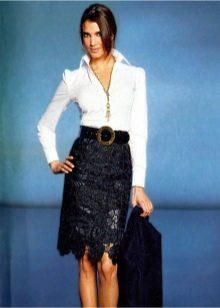 черная юбка-карандаш из кружевной ткани