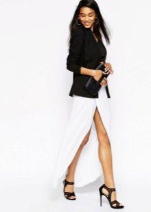Белая летняя юбка в пол с разрезом