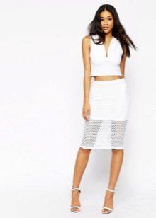 Легкая летняя юбка, позволяющая коже дышать