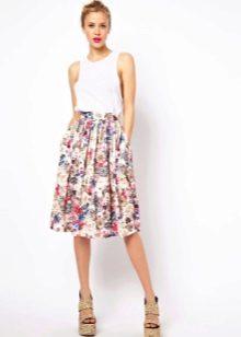 Летящая юбка для лета с цветами