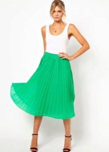 Легкая летящая юбка яркого цвета
