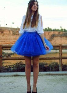 Многослойная короткая юбка синего цвета