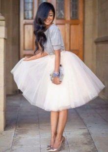 Многослойная белая юбка из фатина