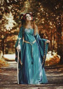 платье из жатой тафты