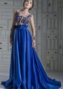 синее платье из тафты с вышитым лифом
