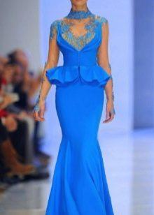 голубое платье из тафты с вышивкой