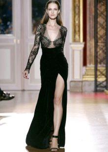 Платье из велюра с разрезом