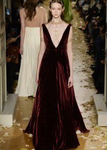 Платье из велюра в пол