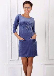 Платье из велюра голубое