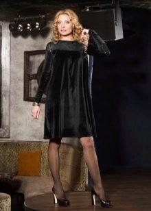 Платье из велюра трапеция