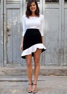 Короткая черно-белая юбка годе на лето