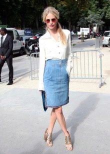 Прямая джинсовая юбка миди с высокой талией на лето