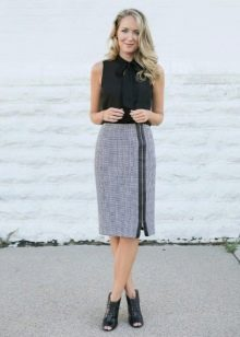 Прямая юбка для женщин с фигурой типа песочные часы