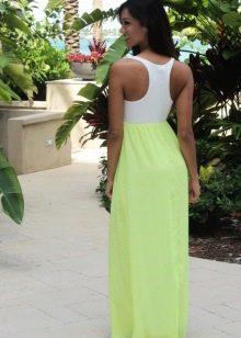 Платье с белым топом и салатовой юбкой